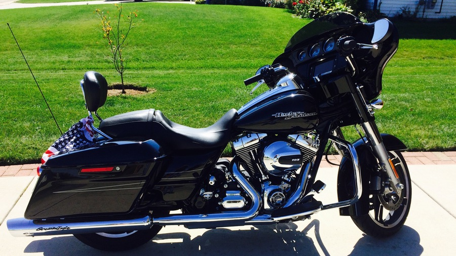 2015 harley glide how much does it cost autos post. Black Bedroom Furniture Sets. Home Design Ideas