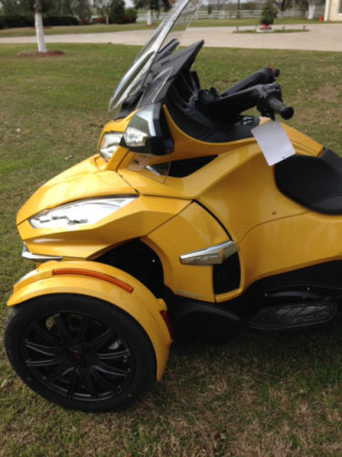 used 2014 can am spyder rt s sm6 for sale in milwaukee wi. Black Bedroom Furniture Sets. Home Design Ideas