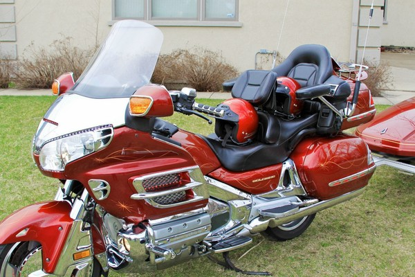 Used 2001 honda motorcycles gold wing for sale in dallas for Honda motorcycle dealer dallas