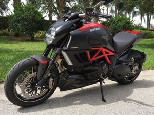 2011 Ducati Diavel Carbon ABS